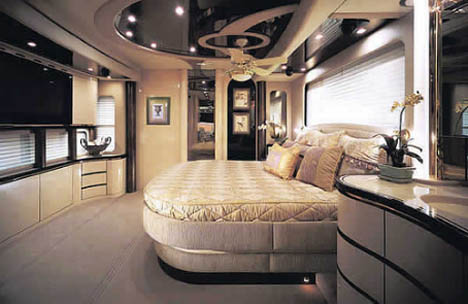 luxurious-spacious-most-expensive-mobile-home
