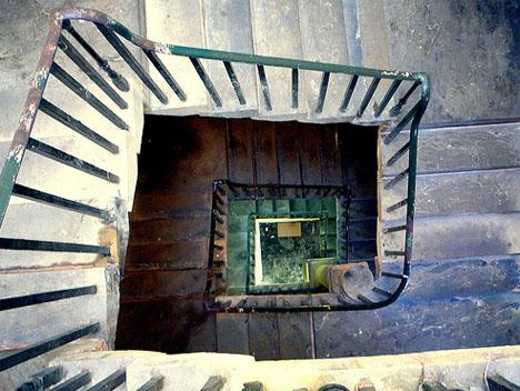 spiral-square-interior-staircase