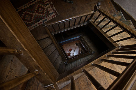 spiral-wooden-square-staircase