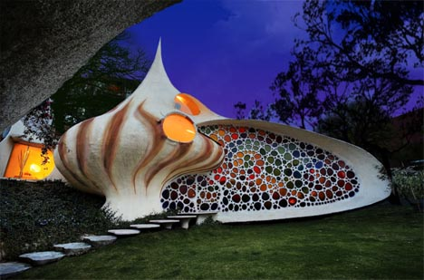curved-shell-house-d