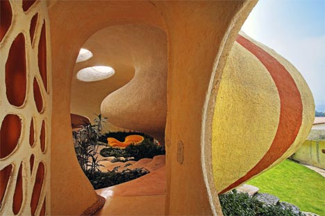 curved-shell-house-i