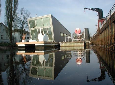 ultramodern-floating-home-design
