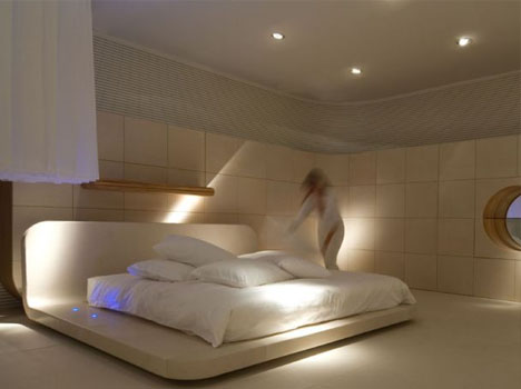 Beds in Bedrooms: 10 Furniture Pictures Set in Real Spa