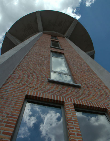 water tower brick concrete 250,000 Liter Home: 7 Story Water Tower to House Refab
