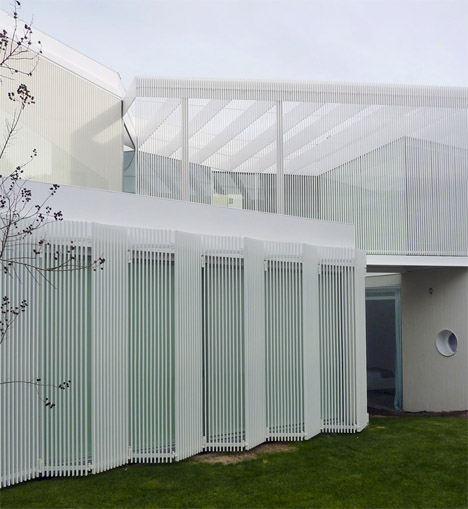 Retractible Shutters House 1