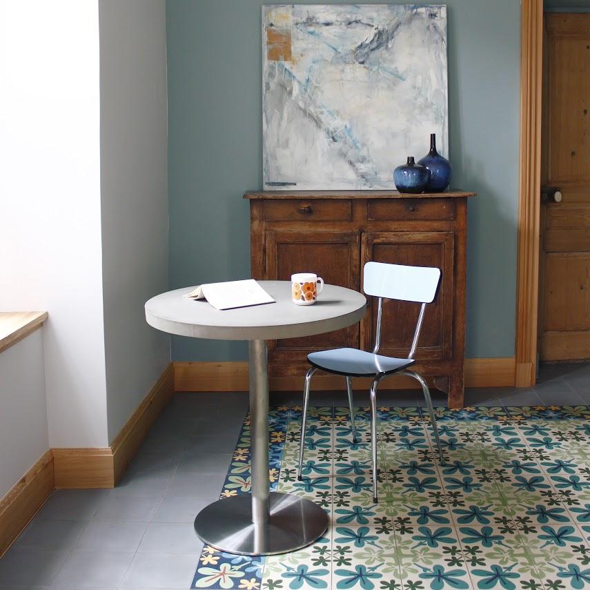 Lyon Beton bistro table