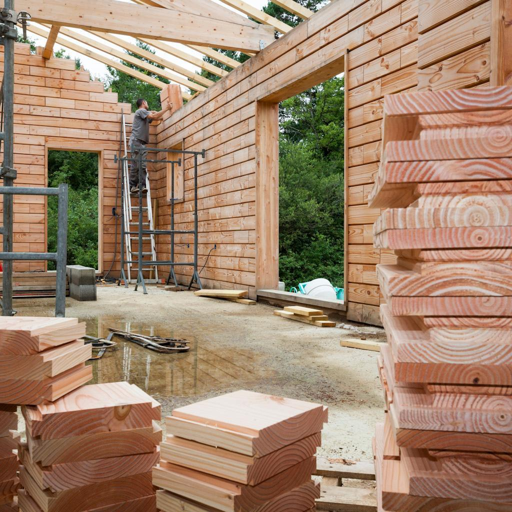 Life sized lincoln logs wooden bricks make building a for Being your own contractor building home
