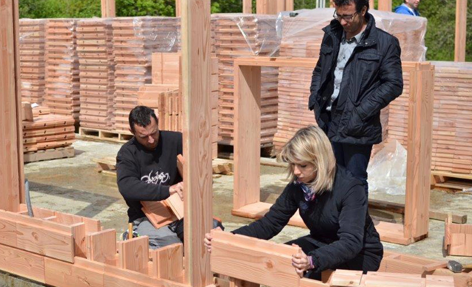 Life-Sized Lincoln Logs: Wooden Bricks Make Building a House Crazy Easy